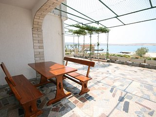 Franjevica Apartment Sleeps 6 with Air Con and WiFi - 5466036