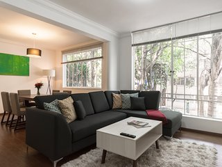 SHINY 2BED/1BATH AT HIPODROMO CONDESA
