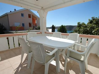 Vlasici Apartment Sleeps 6 with Air Con and WiFi - 5462723