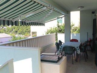 Razanj Apartment Sleeps 6 with Air Con and WiFi - 5462738