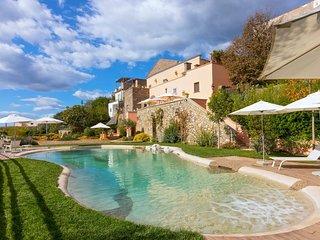 Marina del Cantone Villa Sleeps 12 with Pool Air Con and WiFi - 5604332