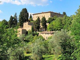 Calzaiolo Villa Sleeps 12 with Pool - 5049021