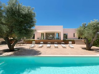 Specchiolla Villa Sleeps 6 with Pool Air Con and WiFi - 5248088