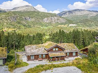 Amazing home in Hemsedal w/ Sauna, WiFi and 4 Bedrooms (N33260)