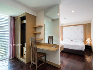 Modern Style 2 BEDROOM APT Room 24/21 Kris condo in quiet area,roof top pool,gym