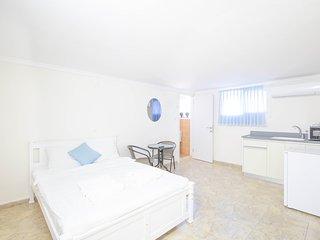 Oasis Aparthotel 03