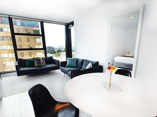 Melbourne City Centre Apartment Sleeps 4 with Air Con and WiFi - 5828490