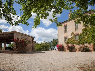 Pasqui Villas: IlTribbio 5BDR,close to a village: garden,pool,view,WiFi