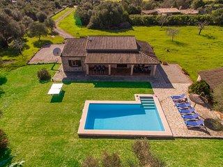 Family Villa Les Figueres