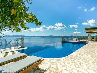 Katavolos Villa Sleeps 17 with Pool and Air Con - 5815313