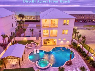 NEW Beach home, Resort Pool, Hot Tub, Fire Pit, Putting Green, Gulf Views.