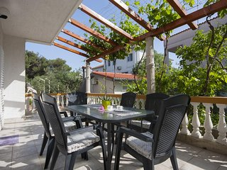 Brodarica Apartment Sleeps 6 with Air Con - 5459919