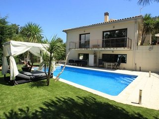 Castell-Platja d'Aro Villa Sleeps 10 with Pool Air Con and Free WiFi - 5509399