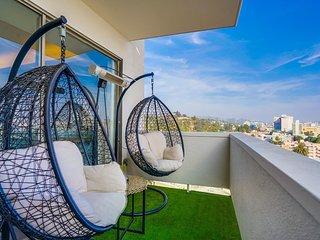 West Hollywood LUX | Pool Spa & Breathtaking Views