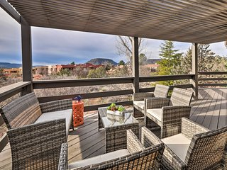 NEW! Sleek Sedona Abode w/Hot Tub & Optional Chef!