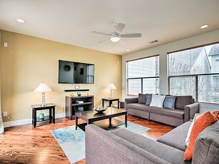 NEW! Condo w/City Views <1 Mi to Downtown Houston!