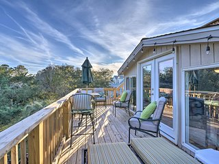 NEW! Beach Retreat w/ Outdoor Kitchen & Kayaks!