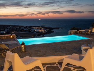 Paros Villa Sleeps 4 with Air Con - 5478603
