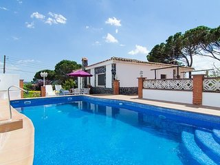 Franciac Villa Sleeps 7 with Pool Air Con and Free WiFi - 5509059