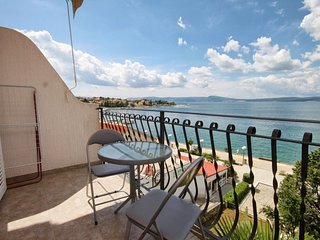 Selce Apartment Sleeps 4 with Air Con - 5464029