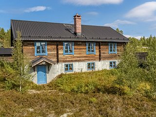 Awesome home in Sälen w/ Sauna, WiFi and 6 Bedrooms (S84078)