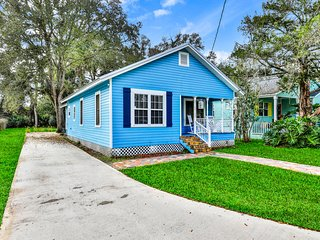 Charming cottage close to downtown St. Augustine & Vilano Beach