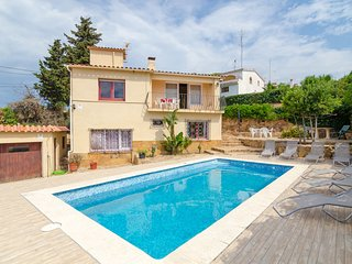 Sant Genis de Palafolls Villa Sleeps 11 with Pool and Free WiFi - 5509317
