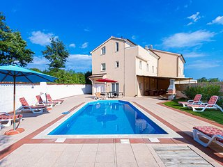 Amazing home in Cere w/ Outdoor swimming pool, Outdoor swimming pool and 8 Bedro