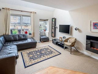 Beautiful 2bed house 6mins to tube 2mins to Thames