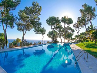 Llafranc Villa Sleeps 8 with Pool and Free WiFi - 5509304