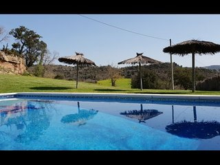 Solsona Villa Sleeps 17 with Pool and WiFi - 5622275