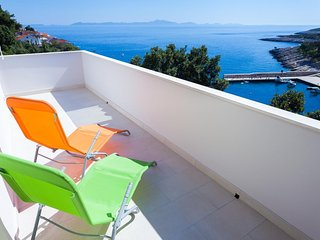 Zavalatica Apartment Sleeps 4 with Air Con and WiFi - 5469372