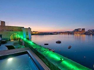 Floriana Villa Sleeps 10 with Pool Air Con and WiFi - 5831383