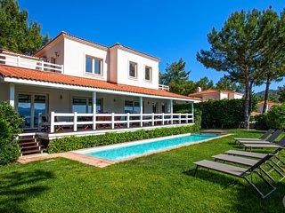 Gocek Villa Sleeps 10 with Pool and Air Con - 5433207