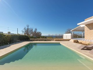 Torre Suda Villa Sleeps 8 with Pool and Air Con - 5829656