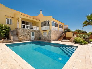 Grieco Villa Sleeps 6 with Pool Air Con and WiFi - 5829440