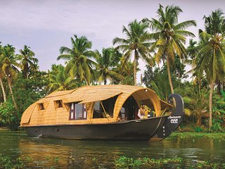 Pamba House Boat by Vista Rooms