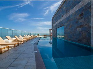 Luxury apartment with a pool, a sea view and direct access to the beach!