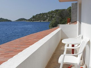 Krucica Apartment Sleeps 4 with Air Con and WiFi - 5512053