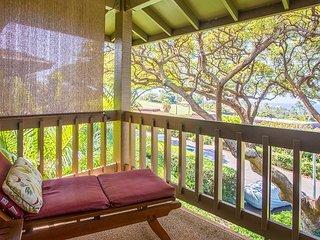 3BR Tropical Getaway w/ Pool, 2 Private Lanais & Ocean Views - Walk to Beach