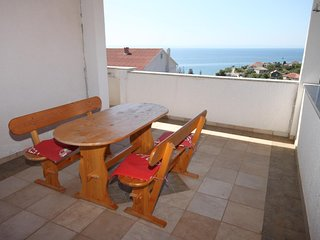 Tovrnele Apartment Sleeps 5 with Air Con - 5465984