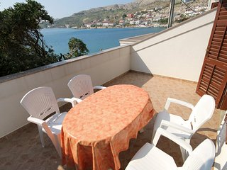 Kolan Apartment Sleeps 4 with Air Con - 5466007