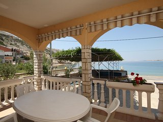 Metajna Apartment Sleeps 4 with Air Con - 5466095