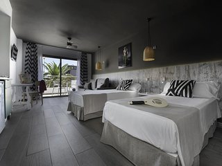 ♫ Modern Loft Studios and Apartments with Swimming Pool in Playa den Bossa ♫