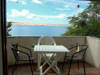 Caska Apartment Sleeps 3 with Air Con and WiFi - 5466142