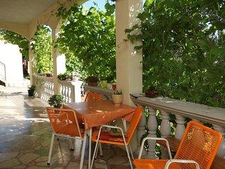 Veliko Brdo Apartment Sleeps 4 with Air Con and WiFi - 5466601