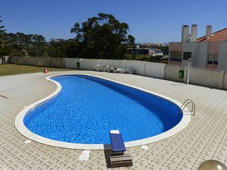'NEW FOR 2020' Lovely 3 Bedroom Apartment with Shared Swimming Pool