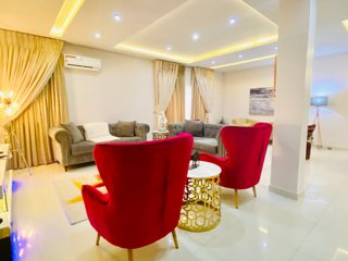 Shortlethomes- Ope's 5 Star Short let Apartment in Lekki