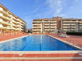 Blanes Apartment Sleeps 4 with Pool - 5579777