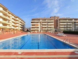 Blanes Apartment Sleeps 4 with Pool - 5579777